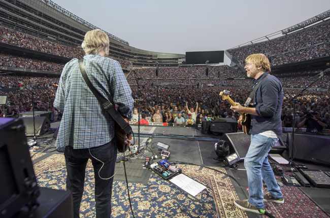 grateful-dead-fare-thee-well-chicago-04-july-3-2015-billboard-650-1